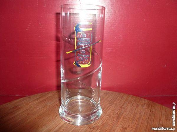 T33: 6 verres 1/2 MARTINI BIANCO et 1/2 SCHWEPPES 10 Vauréal (95)