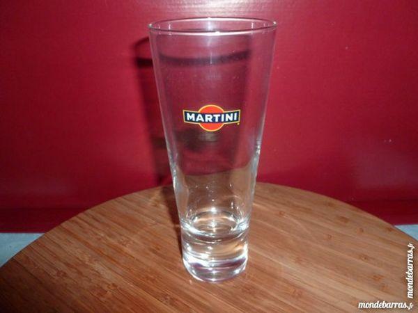 T33: 6 verres MARTINI, longs et évasés 9 Vauréal (95)