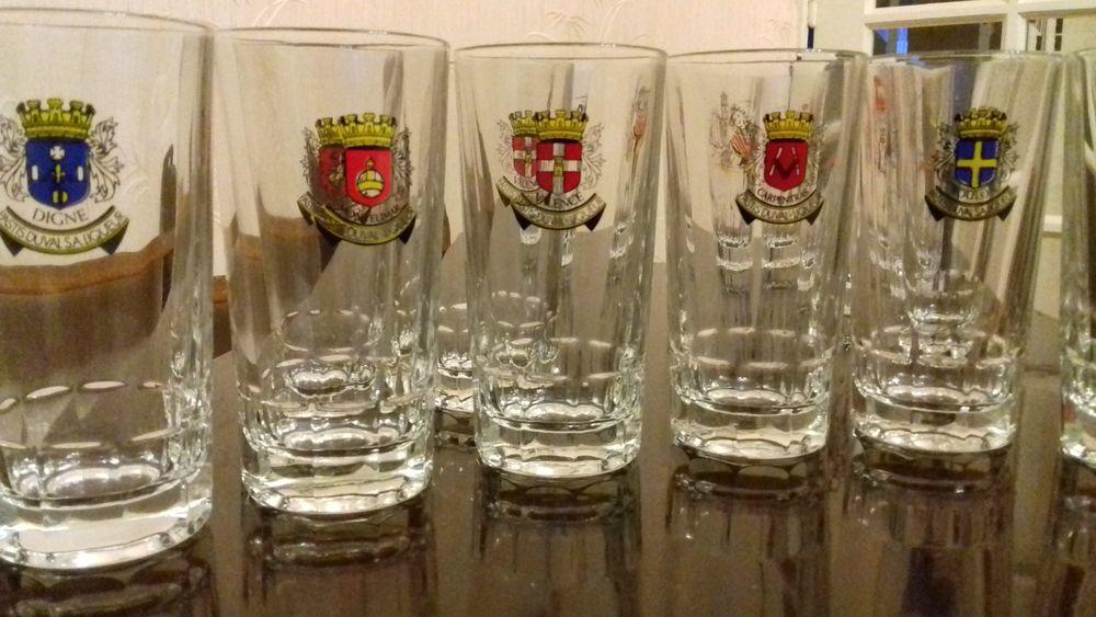 lot de verres Pastis Duval 9 Villeurbanne (69)