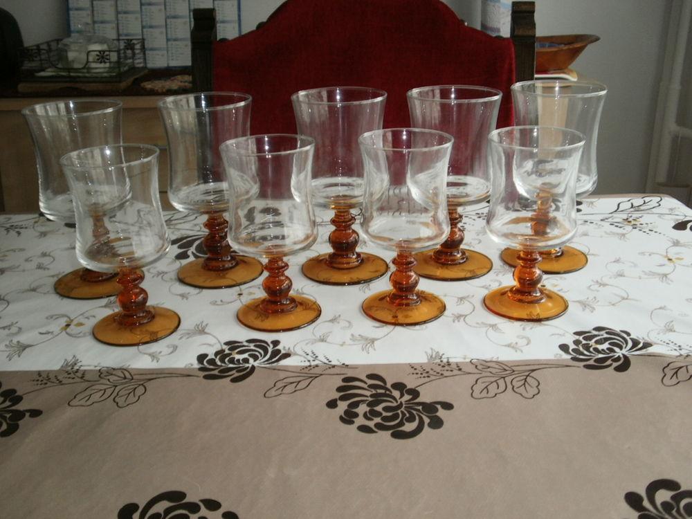 verres a pied 5 g/4 p  9 Poitiers (86)