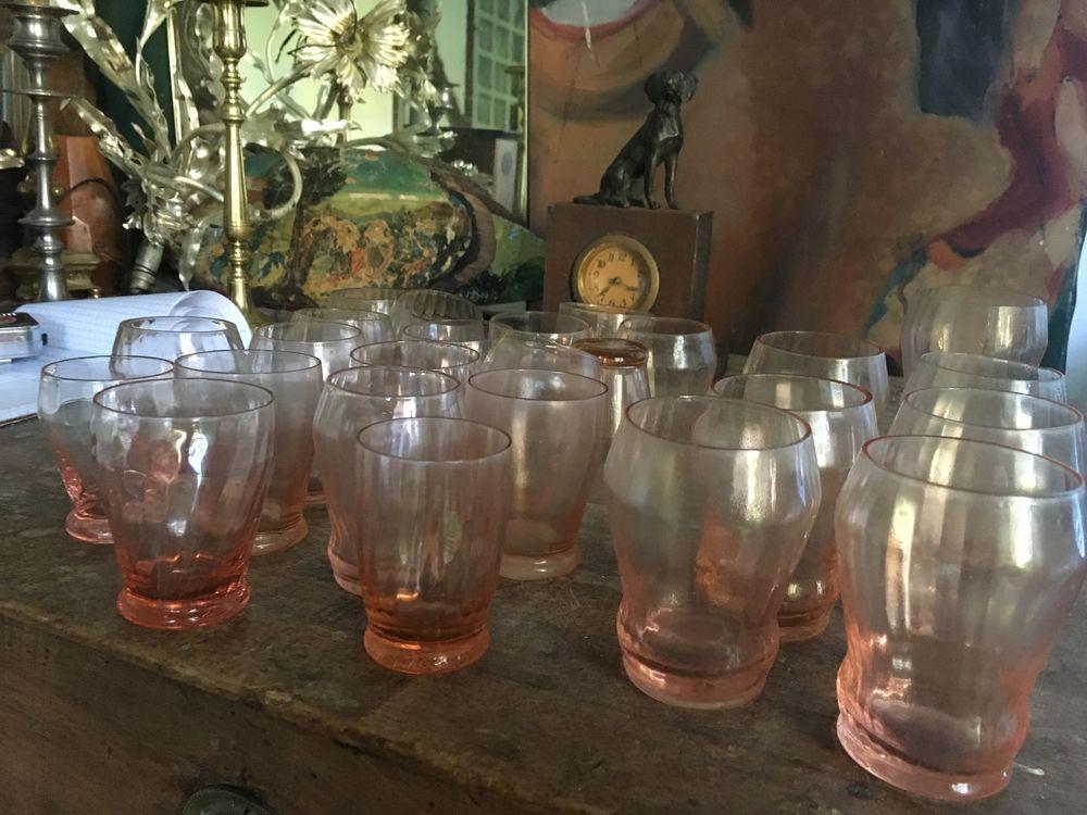 Verres rose à liqueur 1940 20 Lisieux (14)