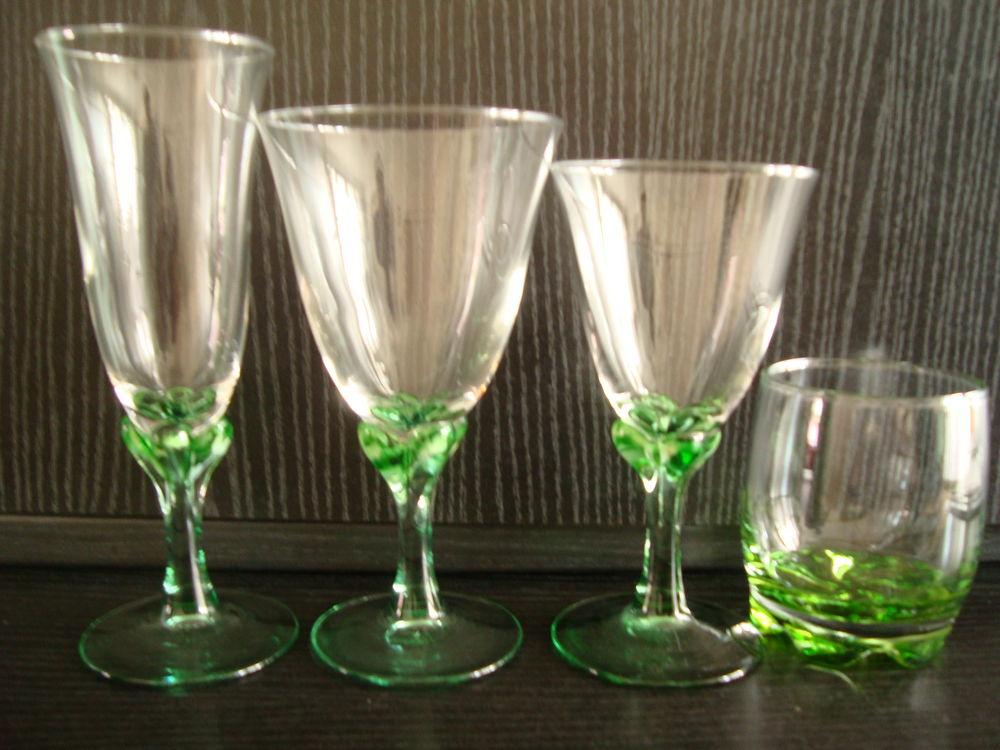 24 verres de tables six tasses coupe glaces 40 Bagneux (92)