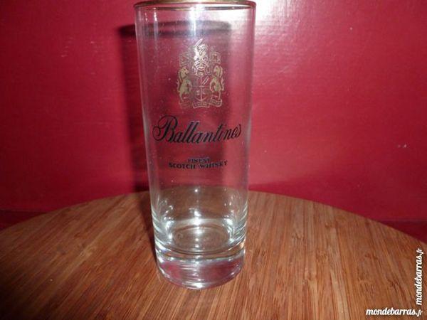 T33: 6 verres à whisky BALLANTINES écusson doré 8 Vauréal (95)