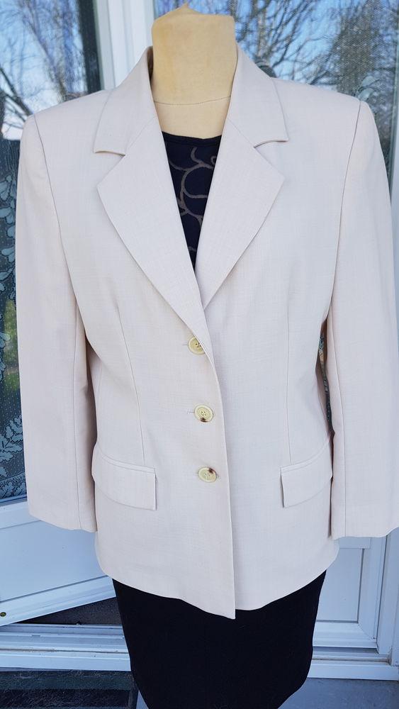 Veste beige en laine doublée taille 42 15 Triel-sur-Seine (78)
