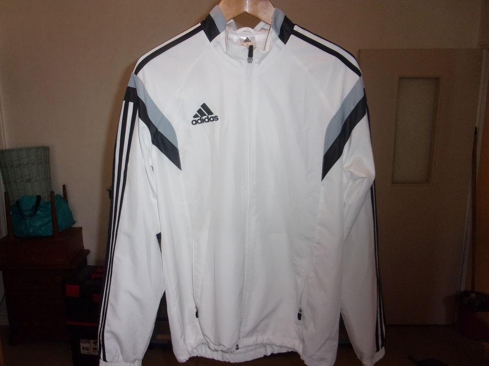 Veste blanche Adidas 30 Saint-André-les-Vergers (10)