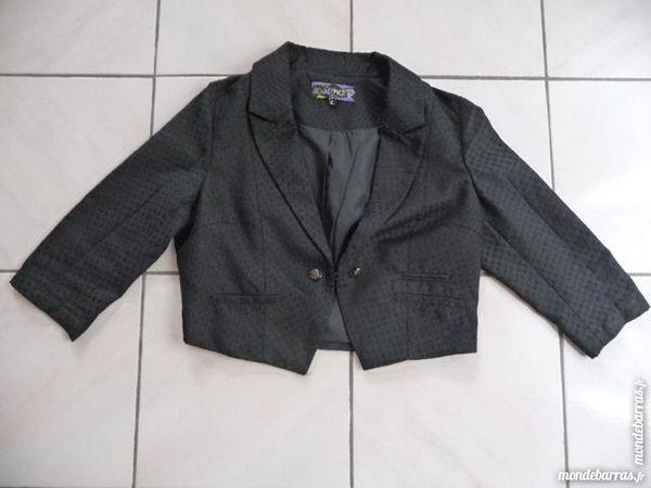 Veste courte noire marque JENNYFER taille 38 12 Montigny-le-Bretonneux (78)