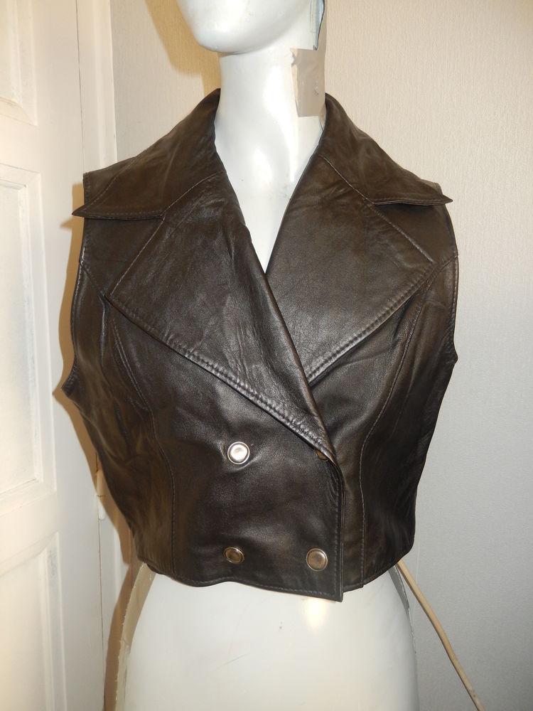 Veste courte sans manches en cuir noir taille 36/38 30 Meaux (77)