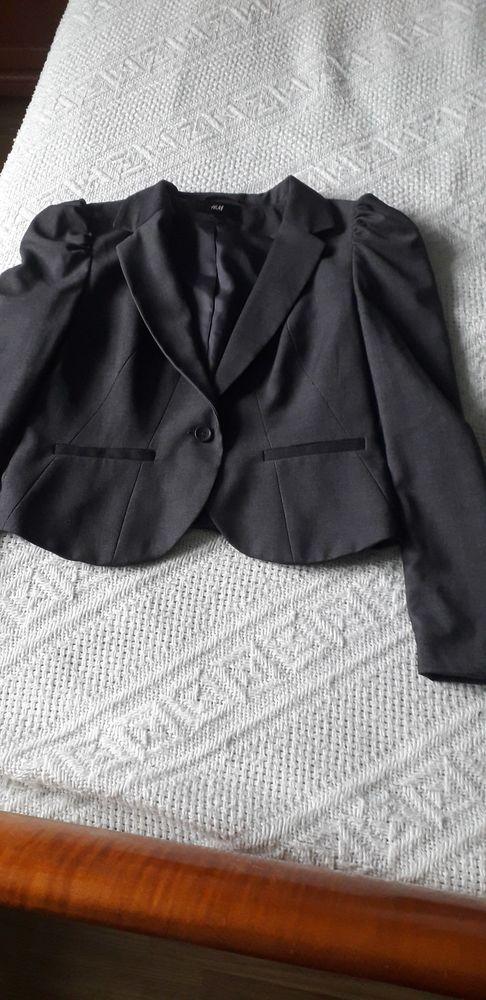 VESTE courte, taille 40, marque H&M  8 Brouckerque (59)