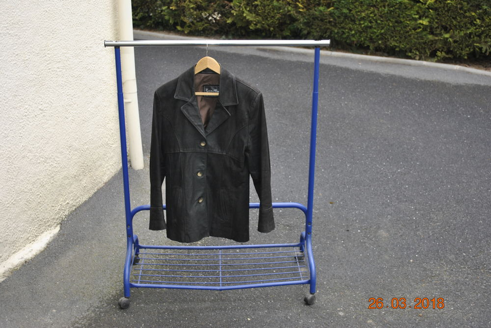 veste croute cuir  15 Boult-sur-Suippe (51)