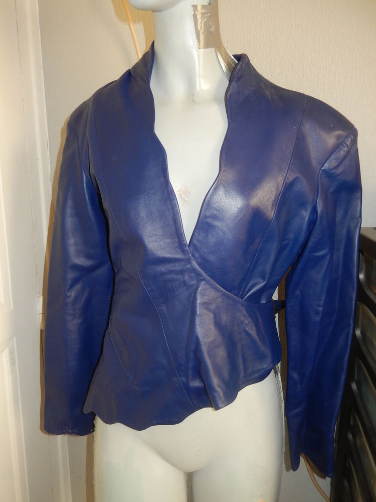 Veste en cuir bleue taille 36-38 40 Meaux (77)