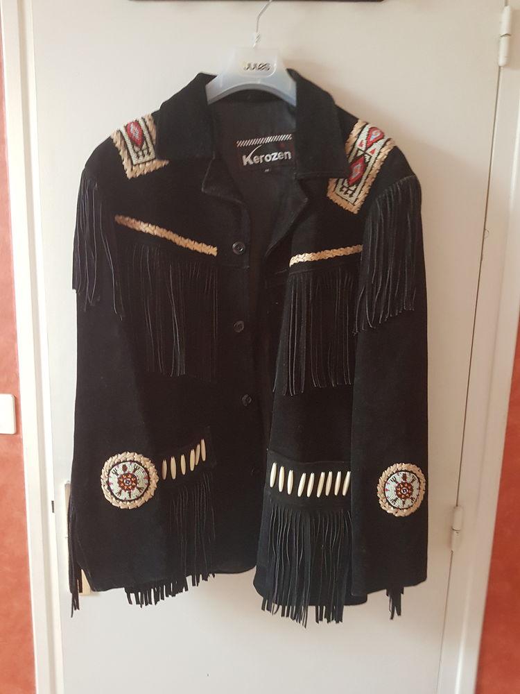 Veste cuir à franges. 300€L une 196 Romenay (71)