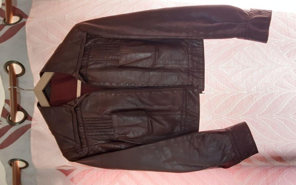 veste cuir marron 30 Corbelin (38)