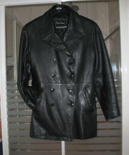 veste en cuir noire très bon état T42 de marque 20 Blaringhem (59)