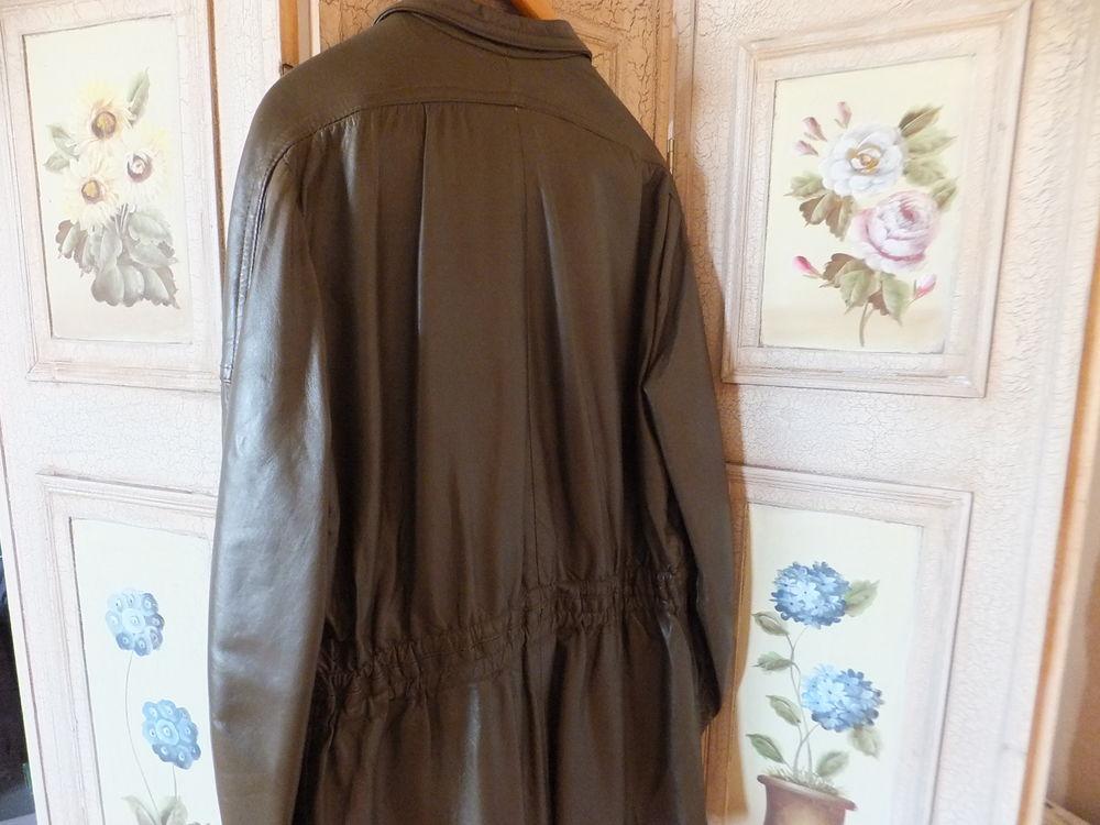 Veste en cuir 50 Saint-Vaast-en-Chaussée (80)