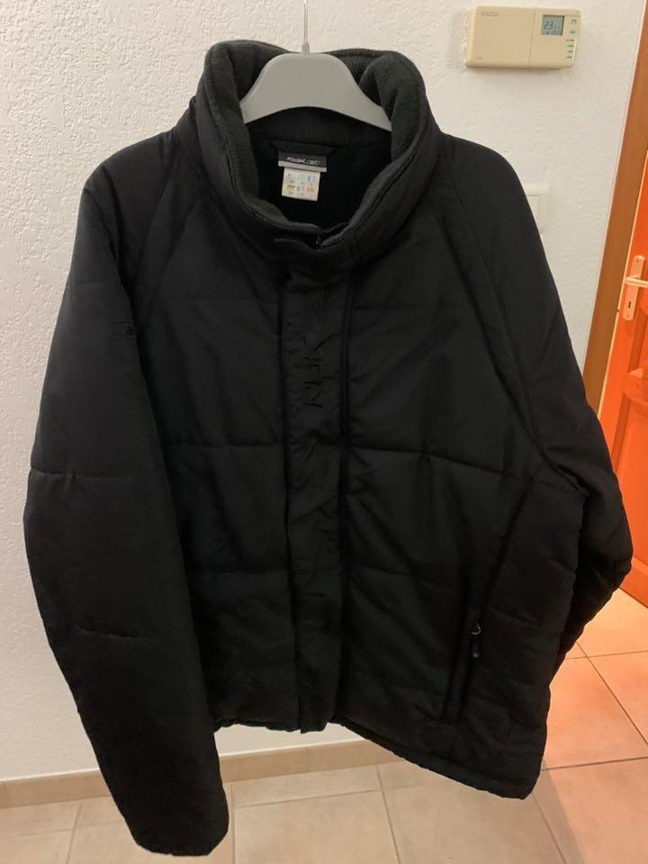 veste doudoune noire Reebok homme taille L ,  30 Istres (13)