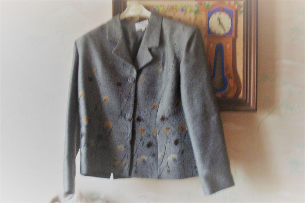 veste femme libet paris 80 Saint-Genès-du-Retz (63)