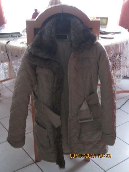 Achetez veste col fourrure occasion, annonce vente à Annemasse (74 ... 53b6c7061c42