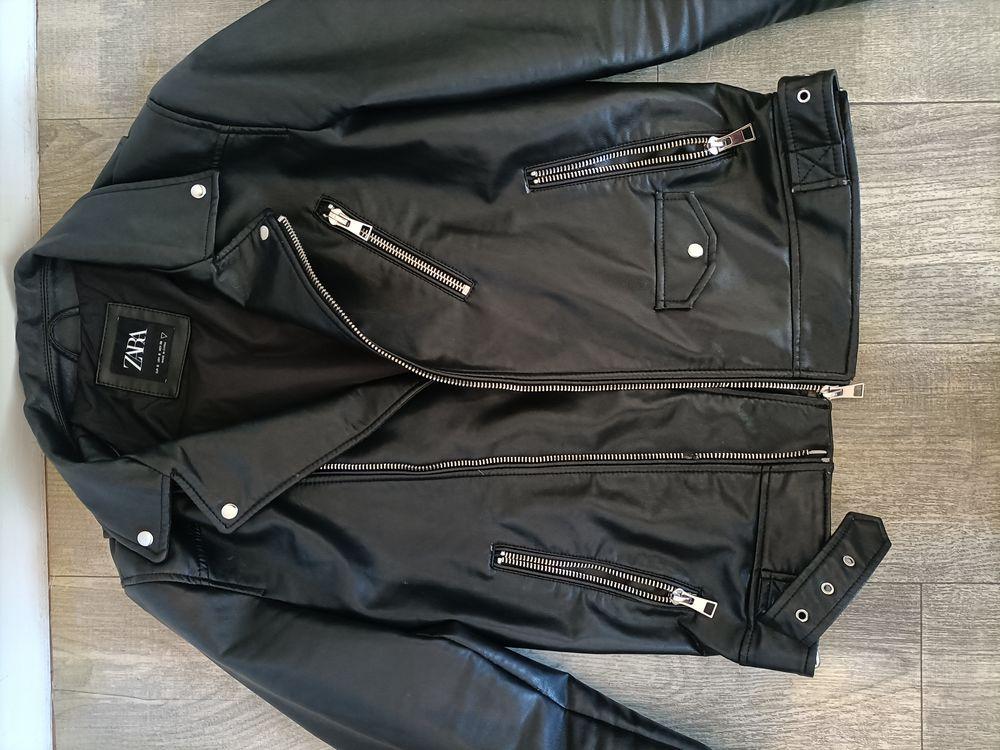 veste imitation cuir noir Zara 15e 15 Poitiers (86)