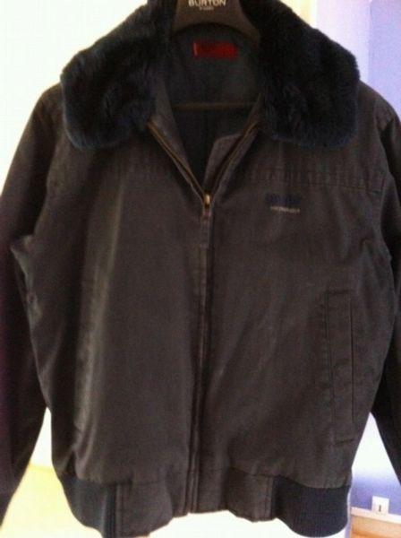 6613a9e23f5dd Achetez veste levis levi s occasion, annonce vente à Strasbourg (67 ...