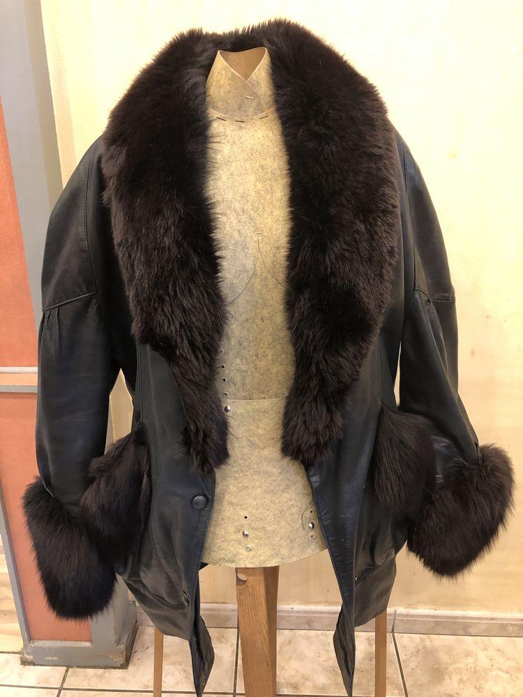 Veste longue en cuir et fourrure Col et manche en renard 200 Herblay (95)