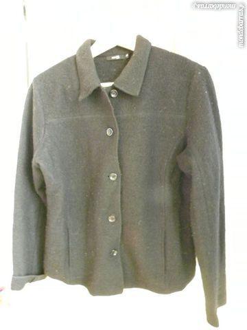 veste noire de chez MONOPRIX 5 Pantin (93)