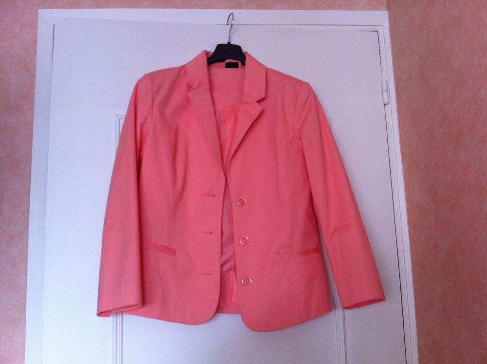 Veste orange neuve 10 Paris 15 (75)