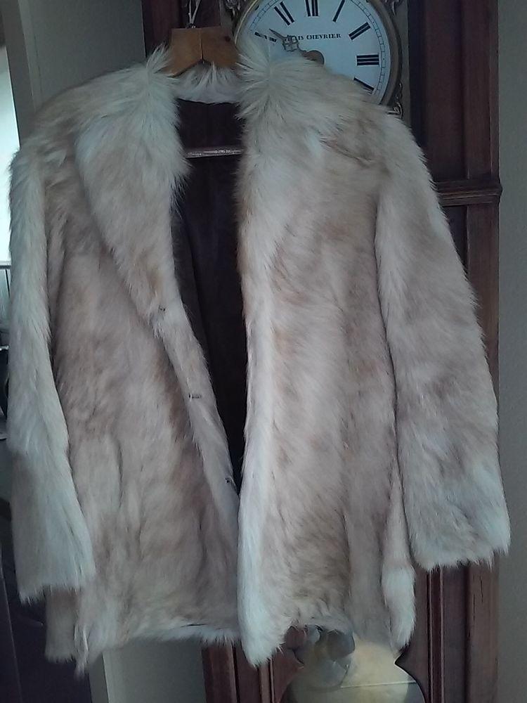 Veste en poils de chevre 0 Le Fenouiller (85)