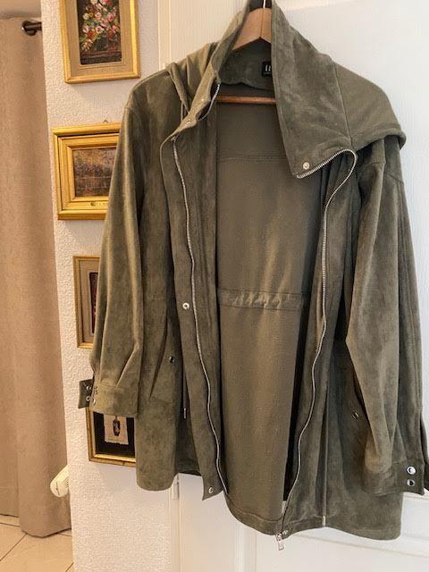 veste Sarko avec capuche 30 Annecy (74)