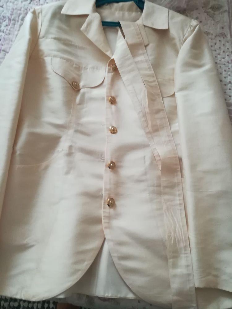 veste en soie de SHANTUNG  30 Le Mesnil-Amelot (77)