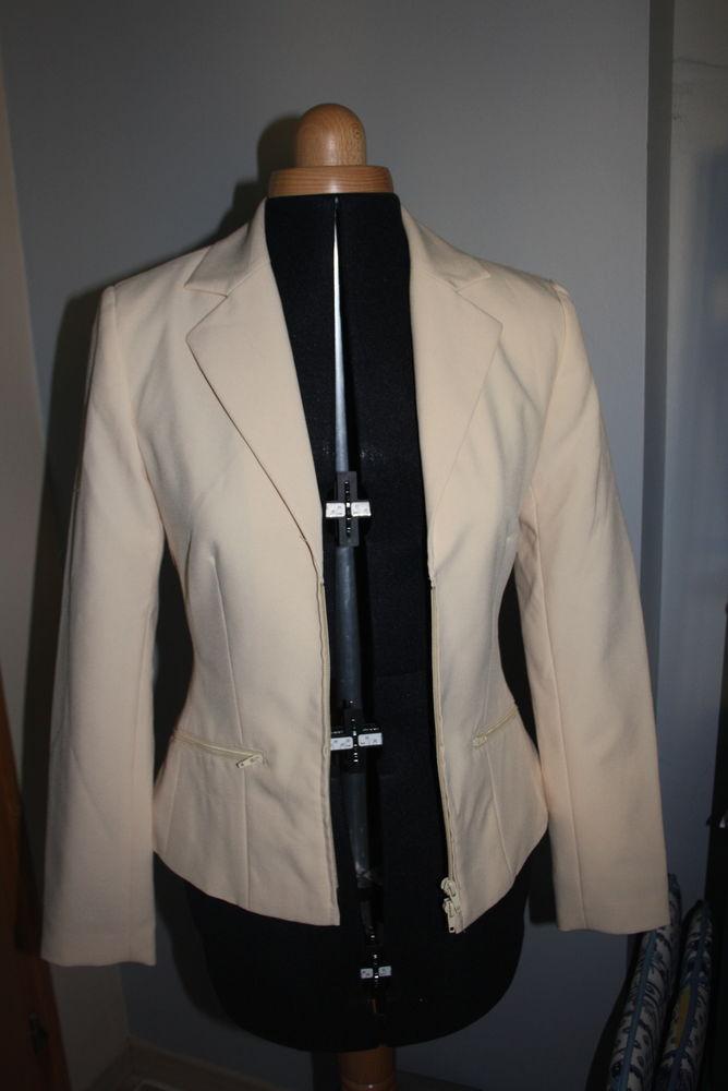 veste tailleur Helline T 36 15 La Verdière (83)
