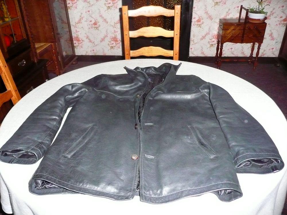 2 vestes en cuir  30 Saint-Étienne-lès-Remiremont (88)