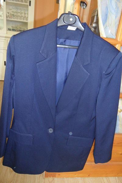 Lot 3 vestes + imper femme t.44/46 12 Ervy-le-Châtel (10)