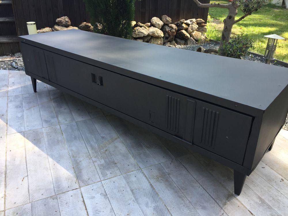 vestiaire métallique industriel meuble télévision 450 Landiras (33)