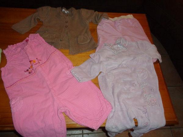 Lot de vêtements bébé fille taille 9 mois à 8 euros 8 Lauraët (32)