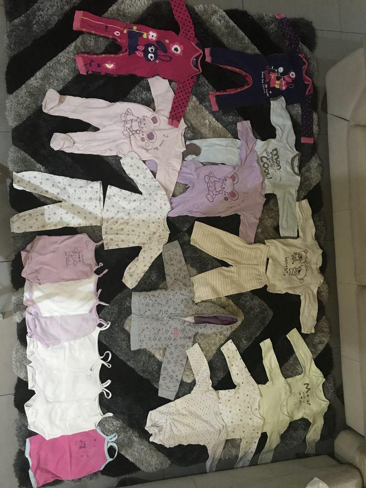 Vêtements Bébé Fille 24 mois 64 Saint-Gilles Les Hauts (97)