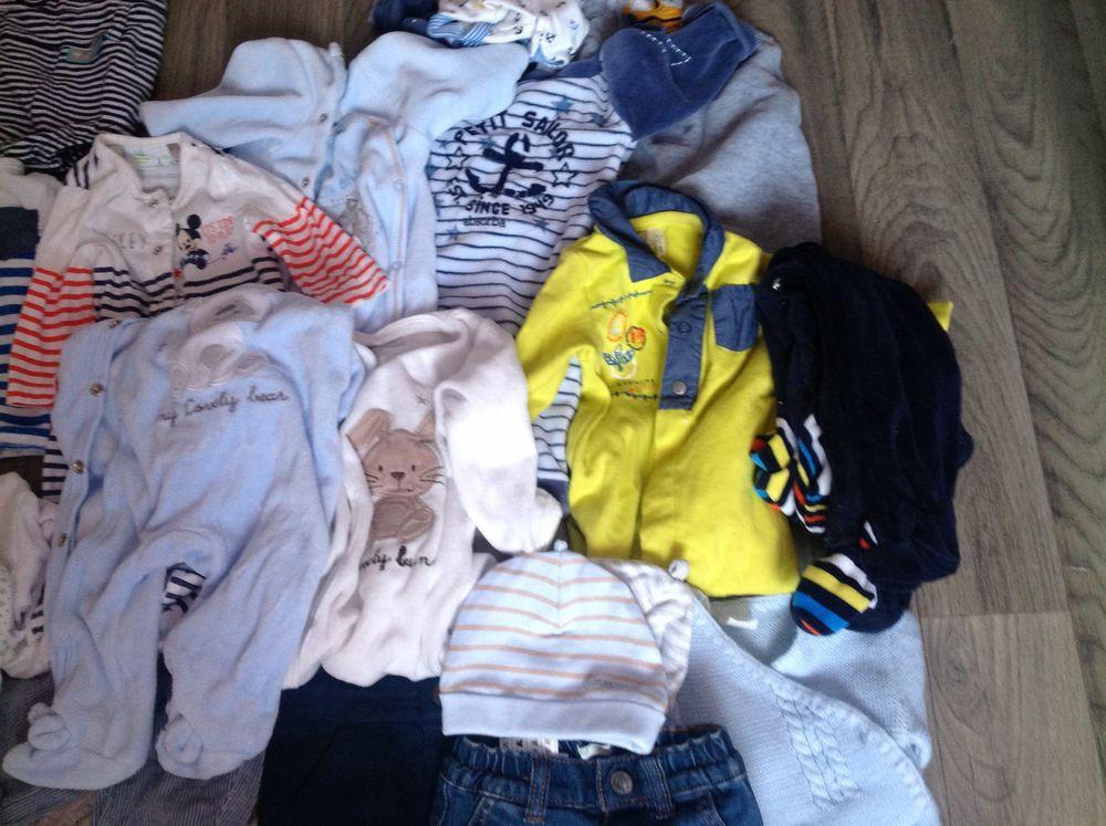 Lot vêtements bébé garçon de 0 à 6 mois 0 Saint-Just-Saint-Rambert (42)