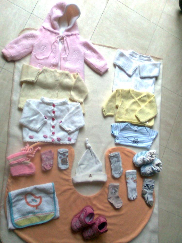 lot 12 - vêtements  bébé naissance à 3 mois - zoe 3 Martigues (13)