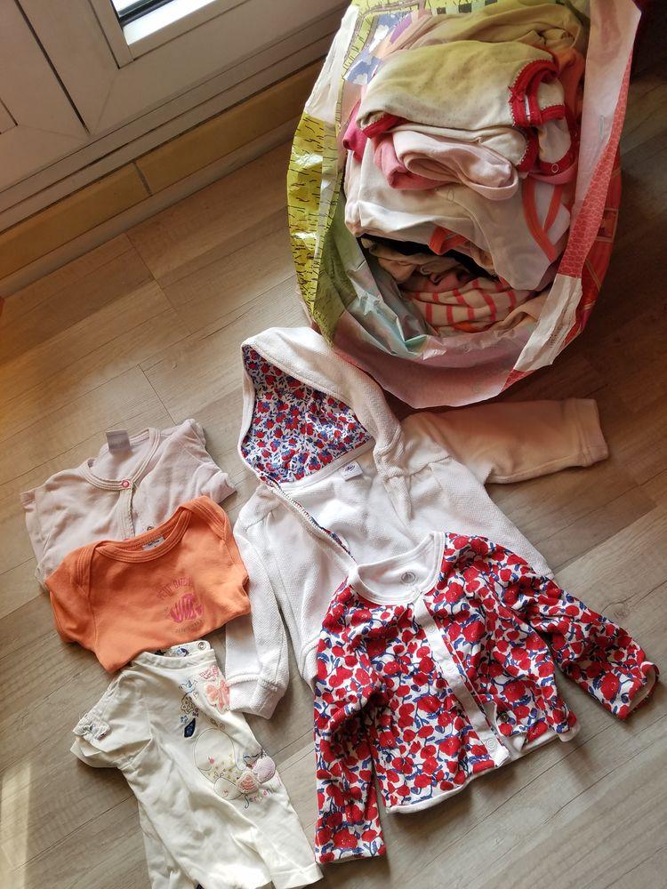 Lot de vêtements fille de 0 à 24 mois et plus: 1 Créteil (94)