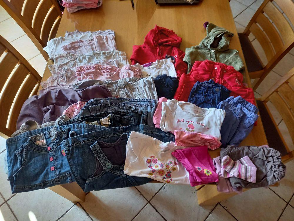 Lot de vêtements Fille Taille 12 mois 24 Roussy-le-Village (57)