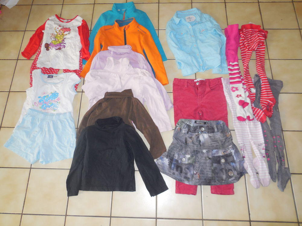 Lot de vêtements fille 4 ans 12 Halluin (59)