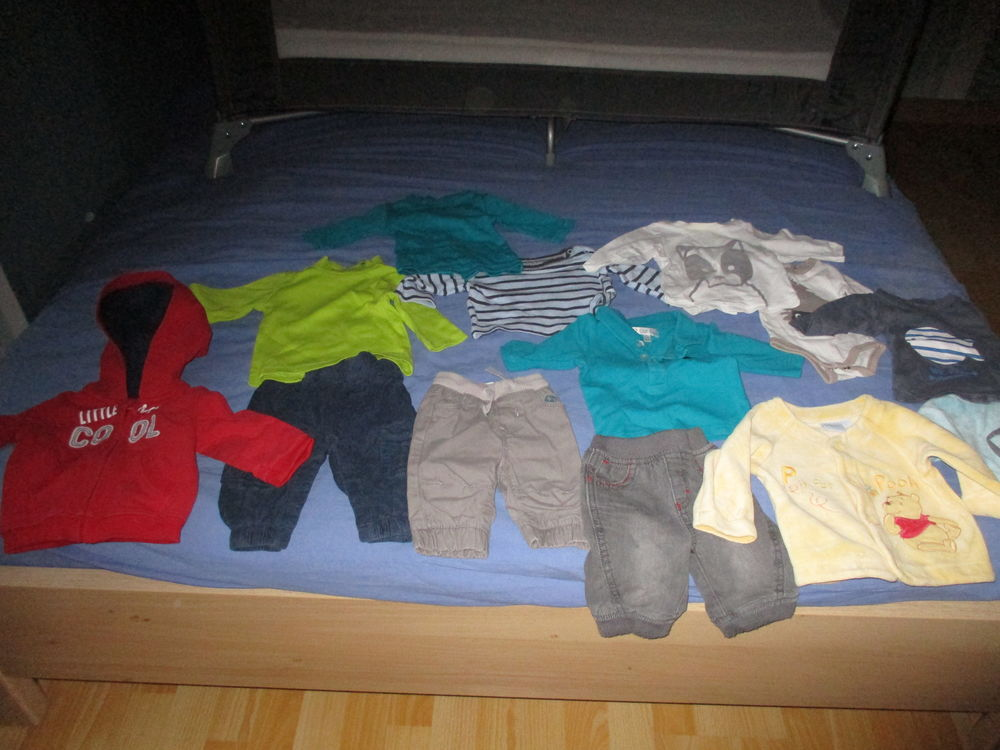 Lot vêtements garçon 1 mois. 20 Laventie (62)