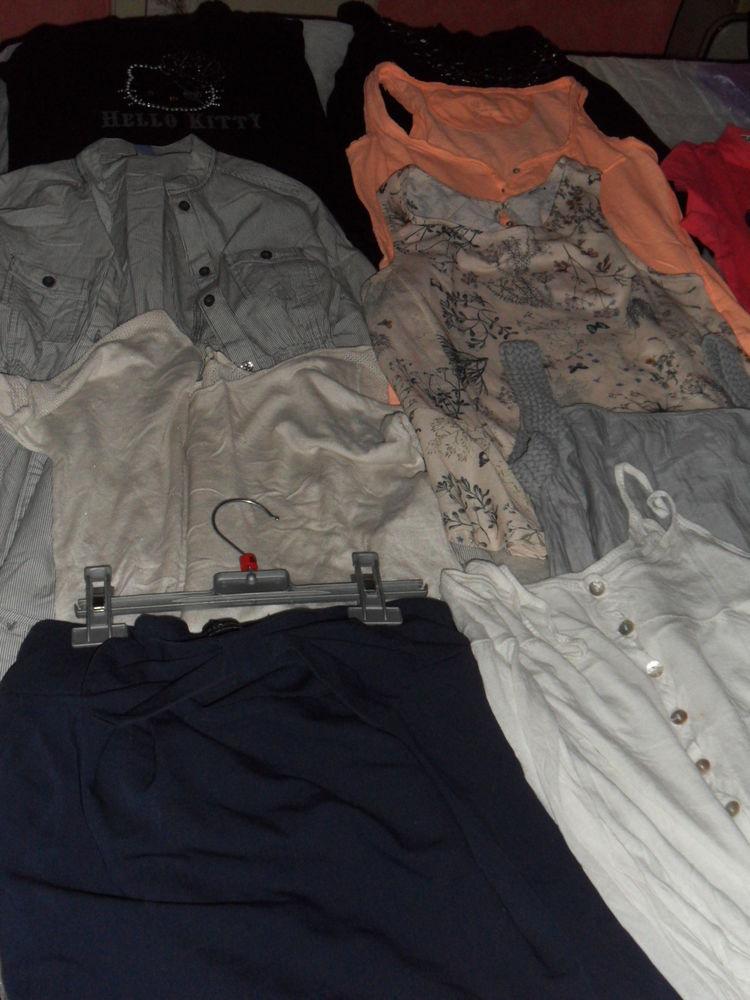Vêtements par pièce ou le lot. 0 Agen (47)