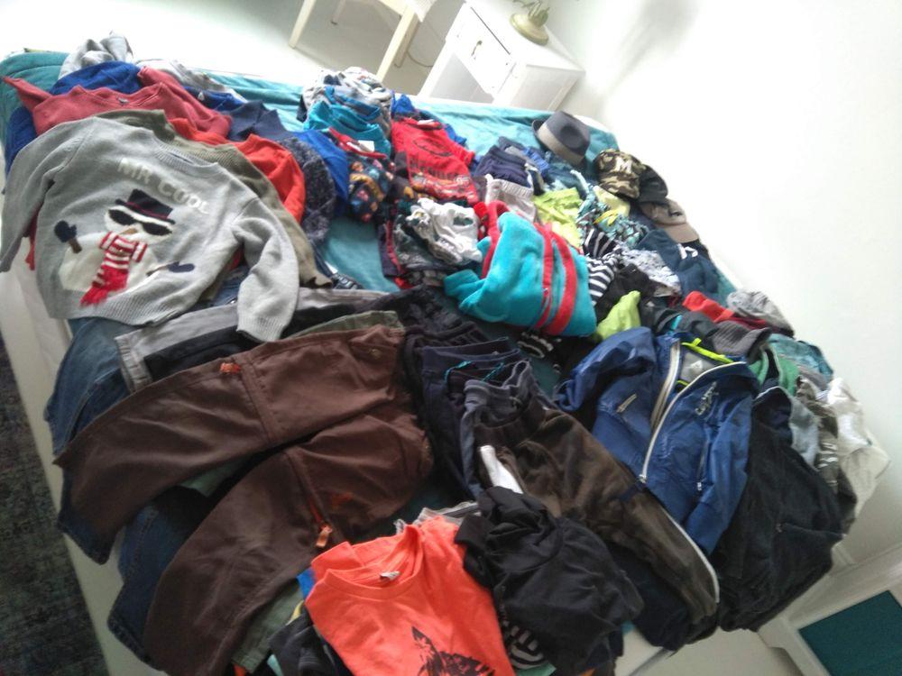lot vêtements, sous vêtements, pyjamas, costumes carnaval 80 Metz (57)