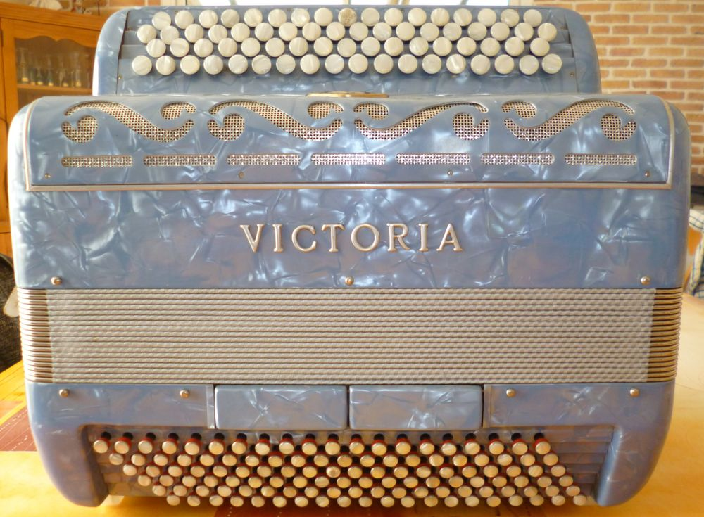 VICTORIA 699 Cholet (49)