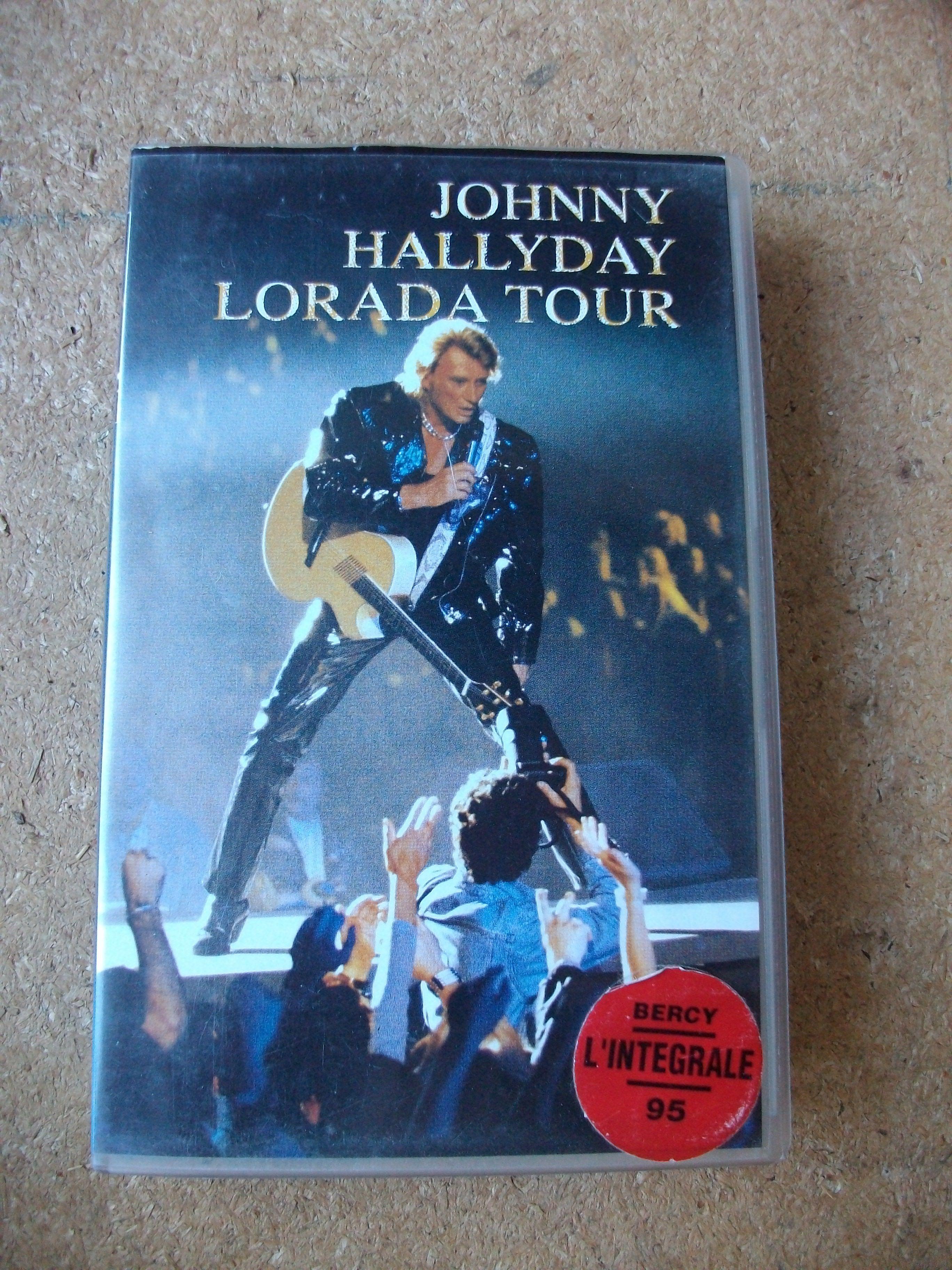 k7 Vidéo Musicale de Johnny Hallyday à 2,50 € 2 Bouxwiller (67)
