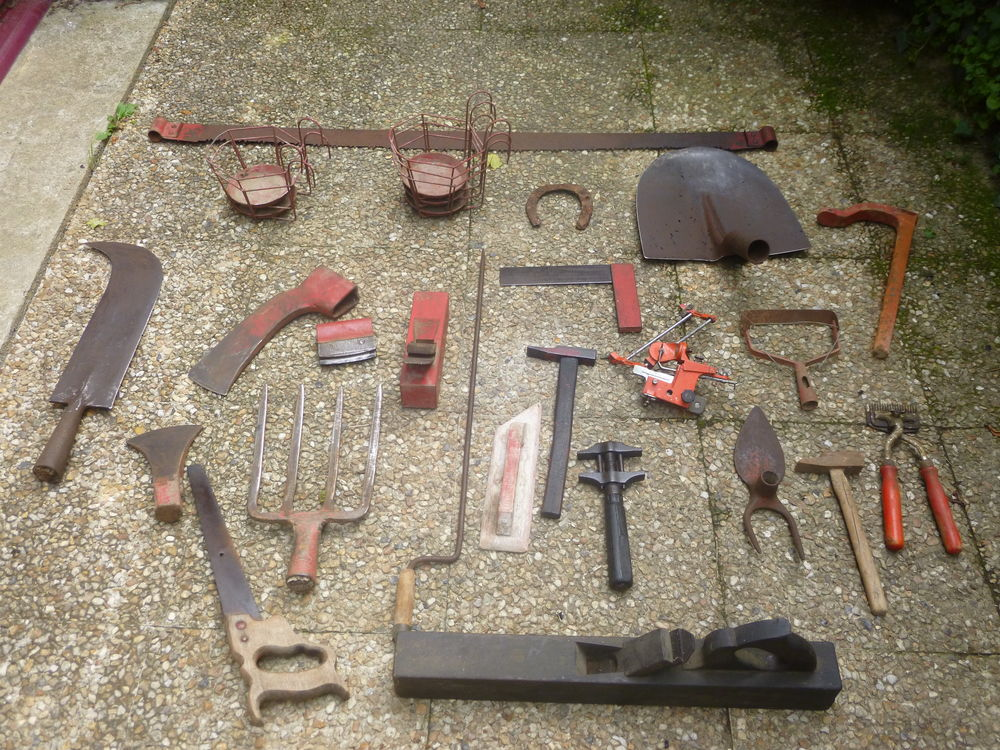 vieux outils séparément ou ensemble . 150 Saint-Malo-de-Phily (35)