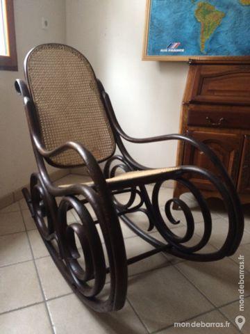 Vieux rocking-chair canné vers 1900 100 Le Cellier (44)
