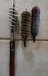 vintage  baguettes bois nettoyage fusil. + 3 brosses diamèt