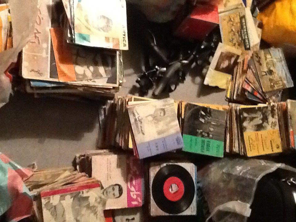 lot vinyls algeriens , marocain , egyptien , tunisien CD et vinyles