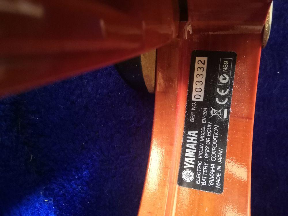 Violon électrique Yamaha  700 Menton (06)